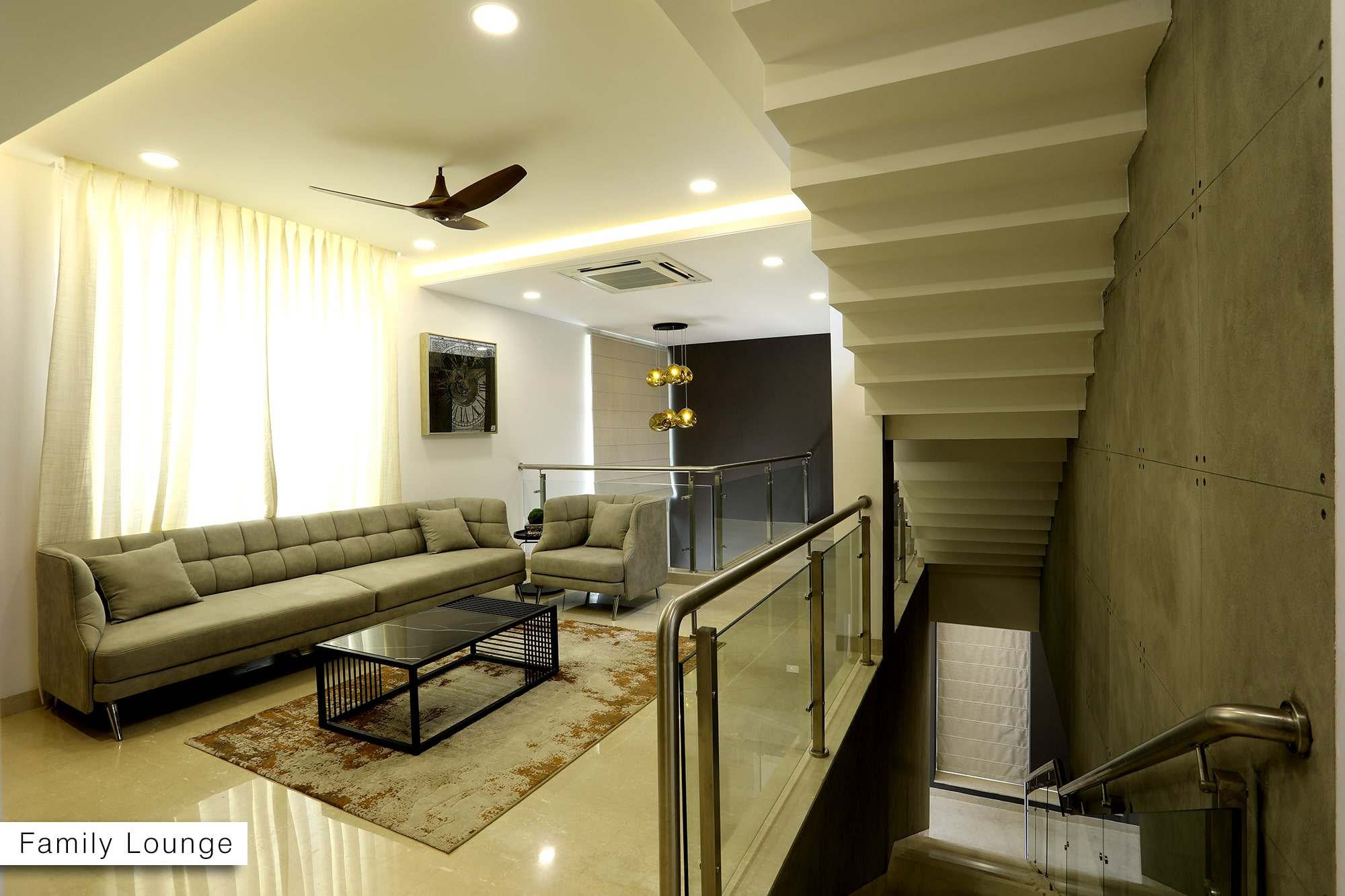 Family Lounge (West Villa)
