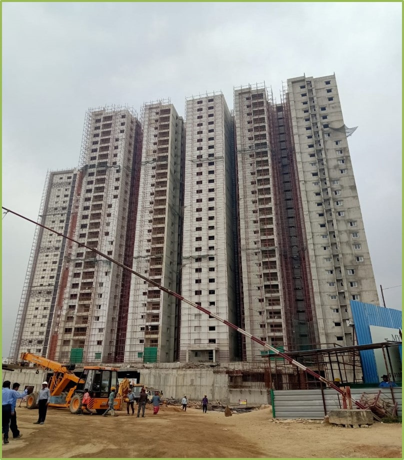 Block 4: Screeding and Putty Work Completed Till 26th  Floor